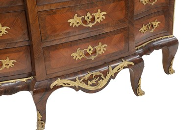 Lot An extraordinary and fine Louis XV-style rosewood and kingwood secretaire en chiffonier