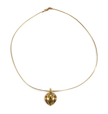 Lot 25 - A 9ct rose and yellow gold pendant