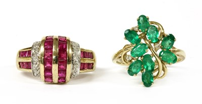 Lot 113 - A 9ct gold emerald and diamond cluster ring