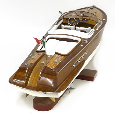 Lot 255 - A model 'Riva Super Aquarama' launch