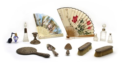 Lot 14 - A collection of 17 fans