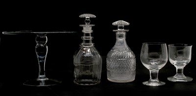 Lot 86 - A collection of glassware
