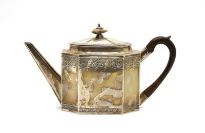 Lot 11 - A George III silver teapot