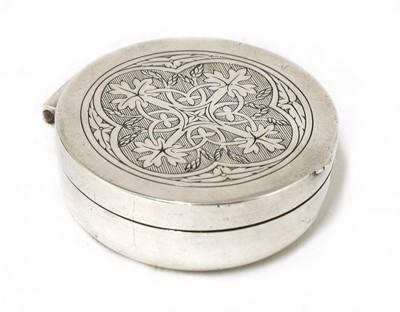 Lot 25 - A silver pyx