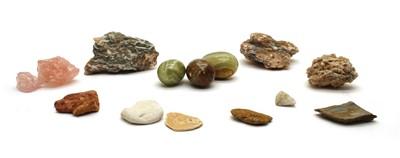 Lot 32 - A quantity of geological specimens