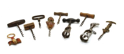 Lot 31 - Twenty five various corkscrews