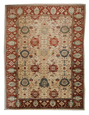 Lot A large Persian Ziegler Sultanabad carpet