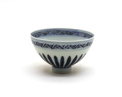 Lot 108 - A Chinese blue and white bowl