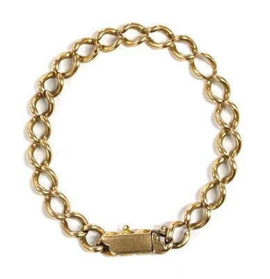 Lot 12 - A gold curb bracelet