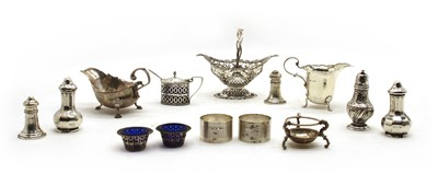 Lot 29 - A quantity of silver items