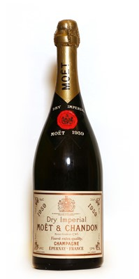Lot 24 - Moet & Chandon, Epernay, 1959, one magnum (in protective card sleeve)