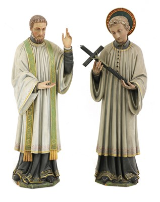 Lot 189 - A pair of carved wood figures of saints