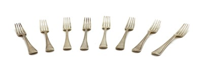 Lot 19 - A set of eight Old English and thread pattern dessert forks