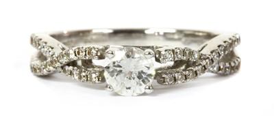 Lot 67 - An 18ct white gold diamond ring