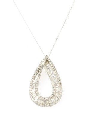 Lot 90 - A white gold diamond pendant