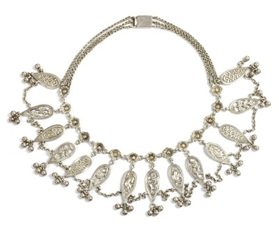 Lot 15 - A Victorian silver fringe necklace
