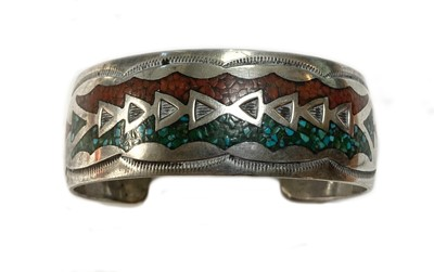 Lot 39 - A Navajo silver turquoise brooch