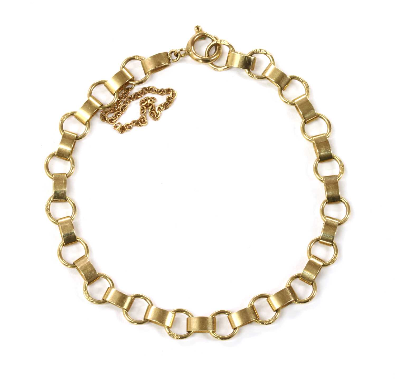 Lot 82 - A 9ct gold bracelet