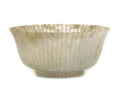 Lot 62 - A Chinese jade bowl