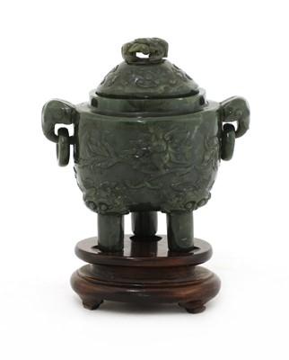 Lot 86 - A Chinese jade incense burner