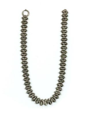 Lot 21 - A Victorian silver collar