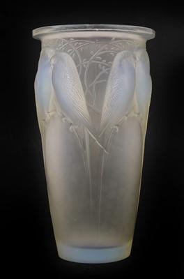 Lot 141 - A Lalique 'Ceylan' opalescent glass vase