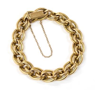 Lot 80 - A gold hollow link bracelet