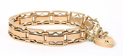 Lot 74 - A rose gold gate bracelet