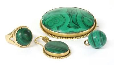 Lot 26 - A Victorian gold malachite brooch