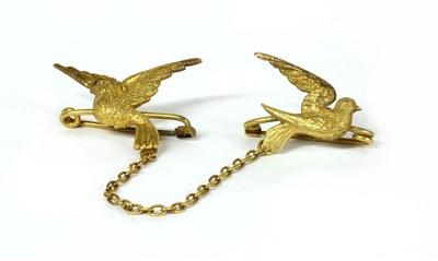 Lot 6 - A gold double bird brooch