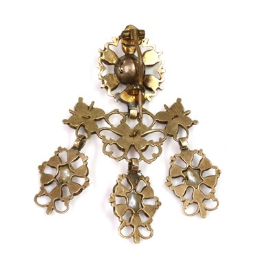 Lot 17 - A late 18th century Iberian flat cut garnet and freshwater pearl pendant drop, later converted to a brooch, c.1800