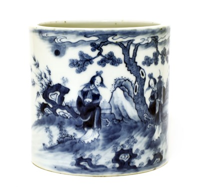 Lot 56 - A Chinese blue and white brush pot