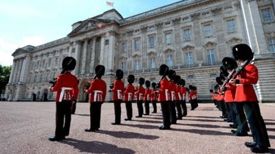 Lot 10 - A visit to Wellington Barracks, the Guards Museum, and a behind the scenes tour