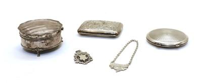 Lot 90 - A silver trinket box