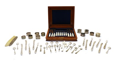 Lot 91 - A collection of mixed silver and plated ware