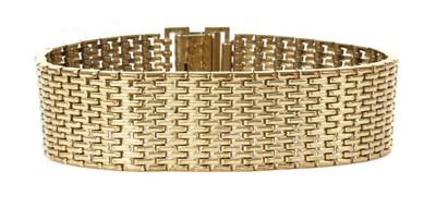 Lot 78 - A 9ct gold brick link bracelet