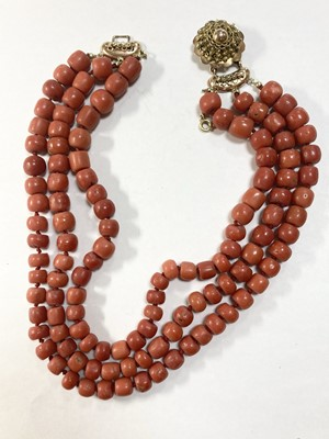Lot 47 - A Dutch three row coral bead necklace