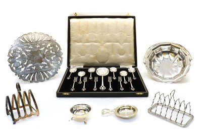 Lot 29A - A collection of mixed silver plated wares