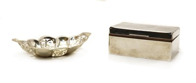Lot 25 - An Edwardian silver cigarette box
