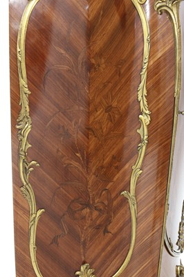Lot 13 - A French Louis XV-style amaranth and kingwood meuble d'appui