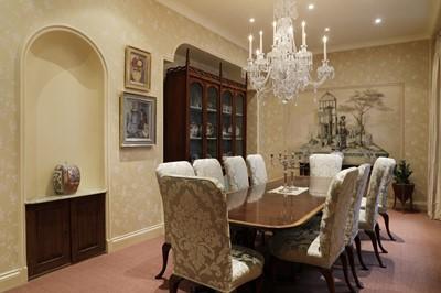 Lot 19 - A George III-style cut-glass ten-light chandelier