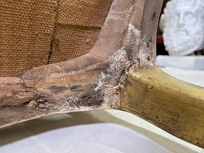 Lot 27 - A pair of French Louis XV giltwood fauteuils à la reine