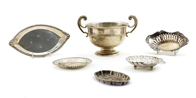 Lot 15 - A Mappin & Webb silver cup