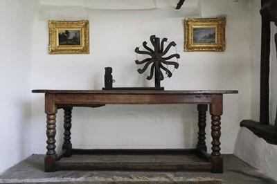 Lot 215 - A 19th century yarn winder