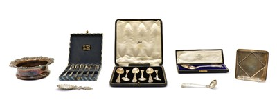 Lot 40 - A collection of silver items