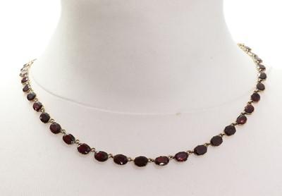 Lot 13 - A Georgian garnet rivière necklace, c.1800