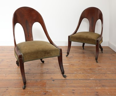 Lot 475 - A pair of Regency mahogany klismos chairs