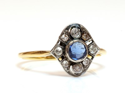 Lot 157 - An Art Deco blue paste and diamond cluster ring