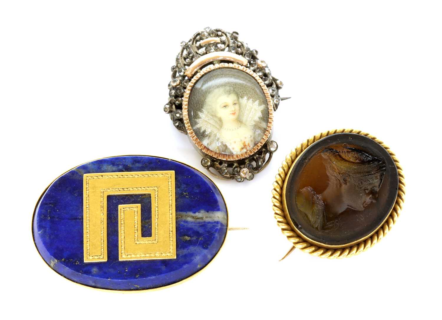 Lot 81 - A late Victorian gold mounted Tassie intaglio brooch, by Benzie of Cowes