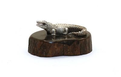 Lot 23A - A contemporary silver sculpture of a crocodile by Patrick Mavros